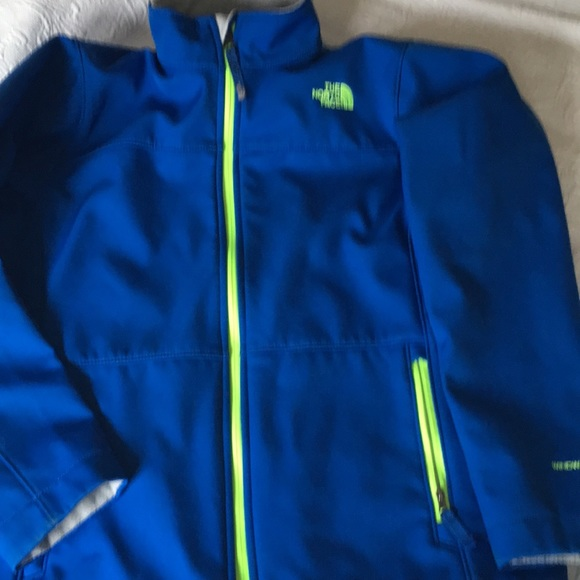 768f78420 Boys The North Face windwall soft shell jacket